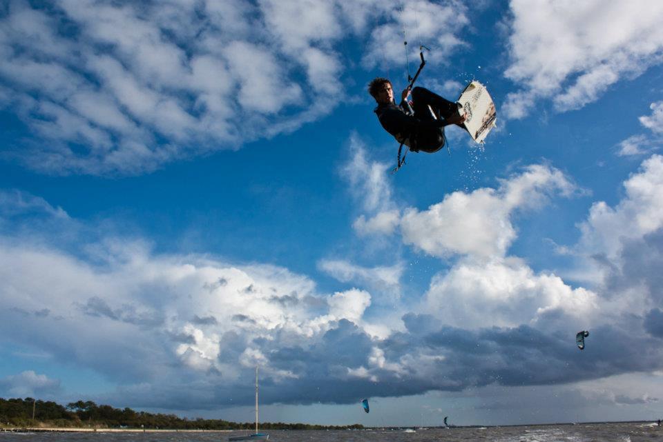 jump-kite-Taussar-Beach